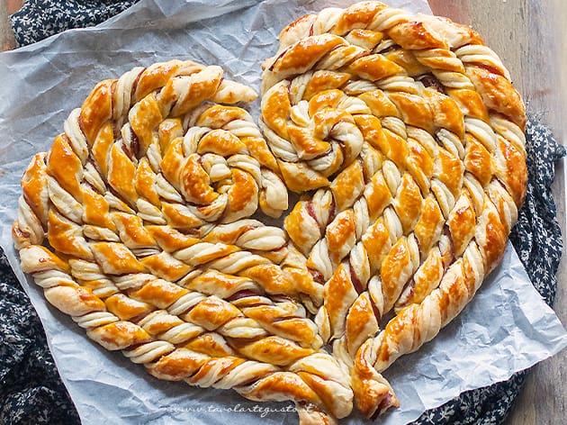 Torta salata a forma di cuore - Ricetta Torta salata a forma di cuore-