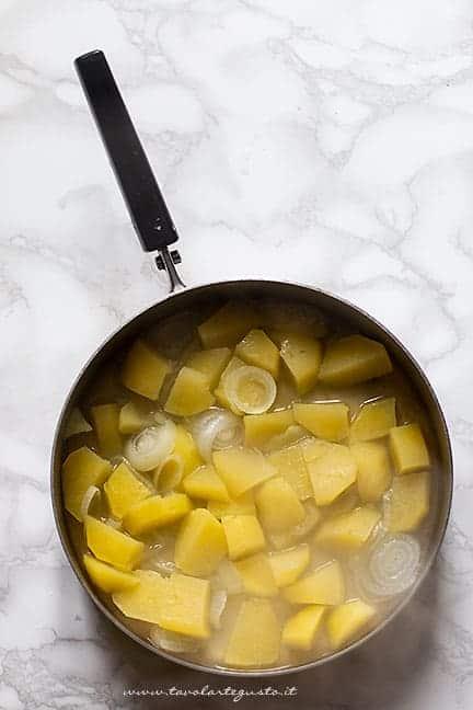 come fare la vellutata di patate - Ricetta Vellutata di patate