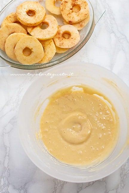 come fare le frittelle di mele in pastella - Ricetta frittelle di mele