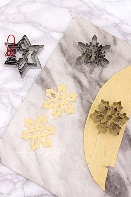 decorazioni di stelle - Ricetta Calza della Befana di pasta sfoglia
