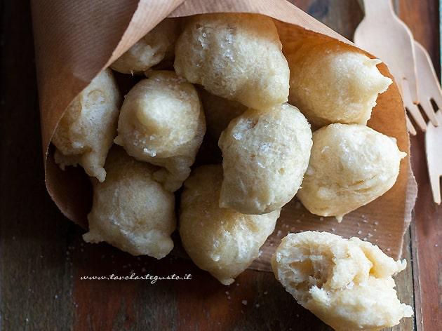 Zeppole di Pasta cresciuta - Pastacresciute napoletane-