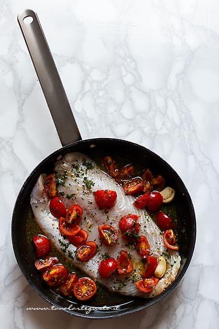 come cucinare il filetto di persico in padella - Ricetta Persico in padella