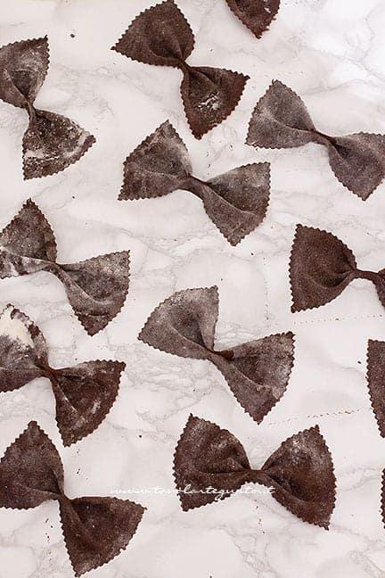 cuocere le chiacchiere al cioccolato - Ricetta Chiacchiere al cioccolato