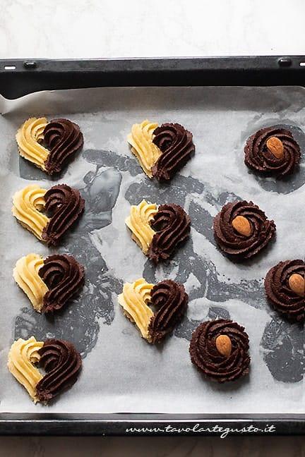 decorare biscotti da the - Ricetta Pasta frolla montata