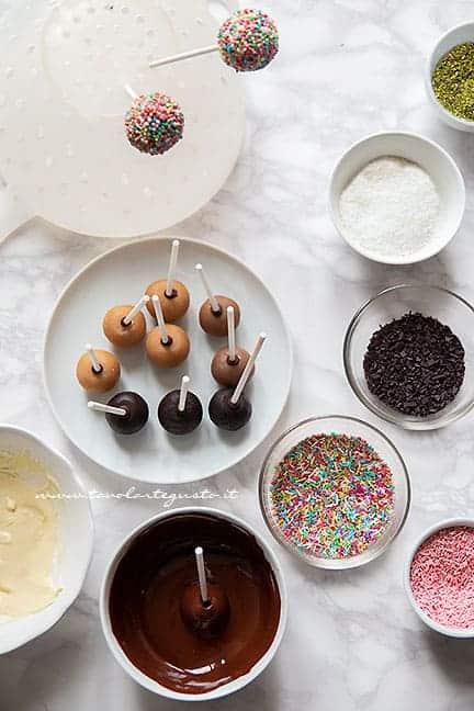 decorare i cake pops - Ricetta Cake pops