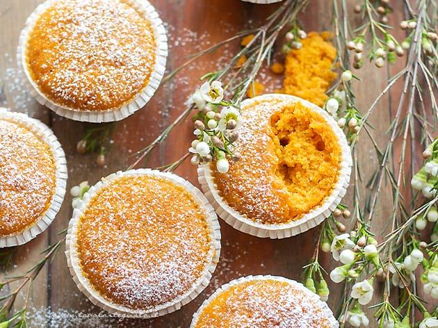 Muffin alle carote soffici e velocissimi - Ricetta Muffin alle carote