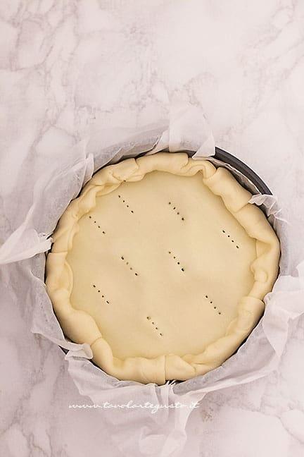 Richiudere la Torta salata -Ricetta Torta Pasqualina