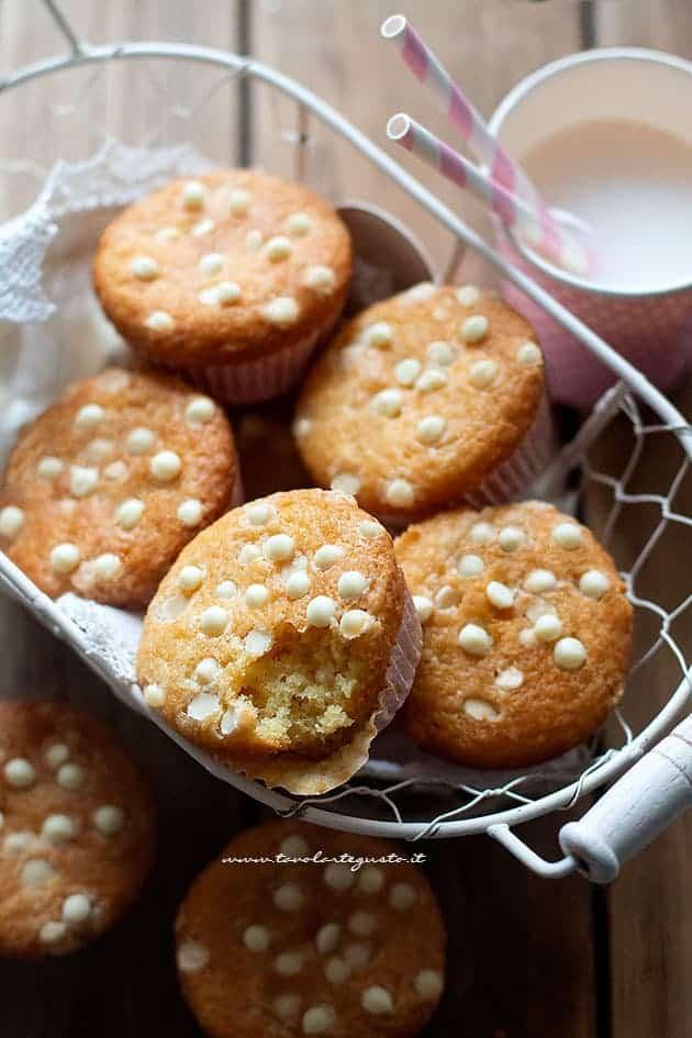 Muffin al cioccolato bianco - Ricetta Muffin al cioccolato bianco