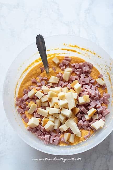 Torta salata con carote svuota frigo - Ricetta Torta salata di carote