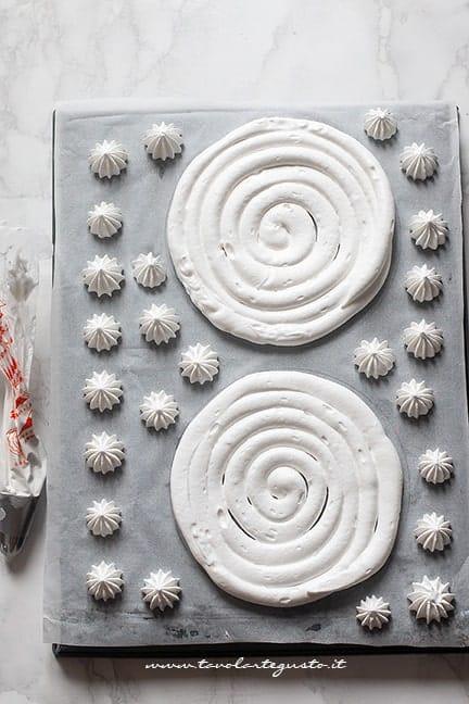 cuocere le meringhe - Ricetta Torta Meringata