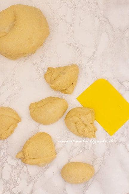formare i panini dolci - Ricetta Maritozzi