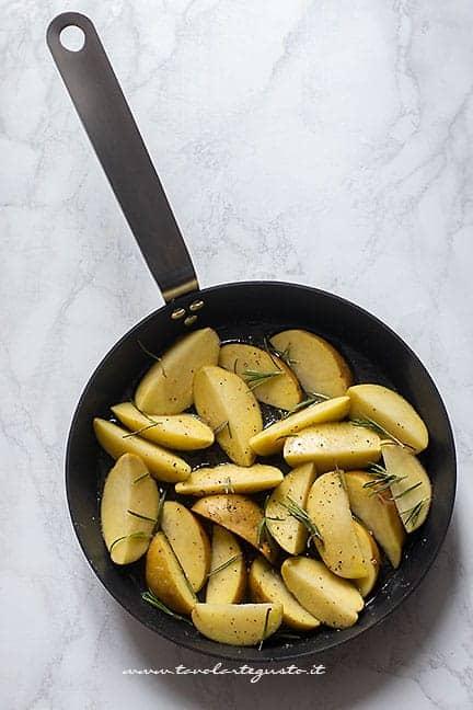 Cuocere le patatine in padella -Ricetta Patate in padella