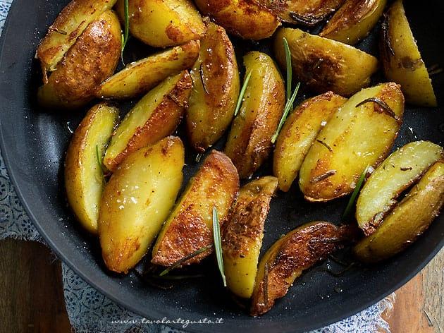 Patate in padella - Patatine in padella - Ricetta Patate in padella-