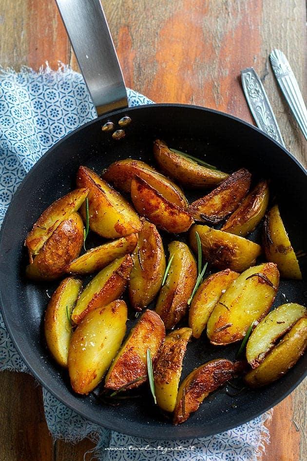 Patate in padella - Patatine in padella - Ricetta Patate in padella