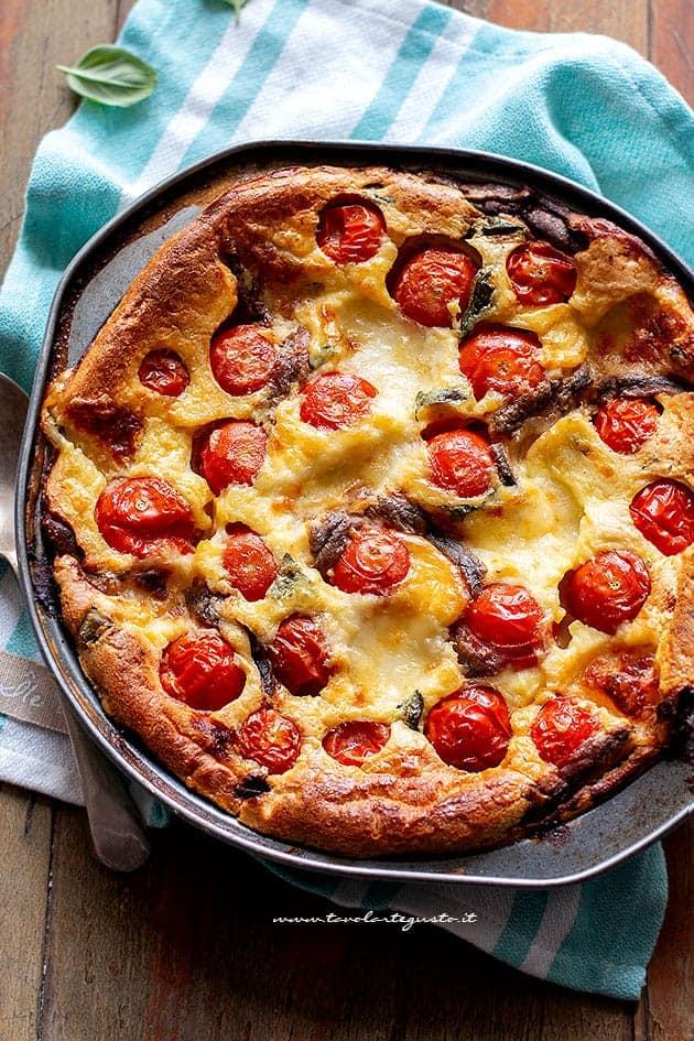 Clafoutis salato - Ricetta Clafoutis rustico pomodorini e mozzarella