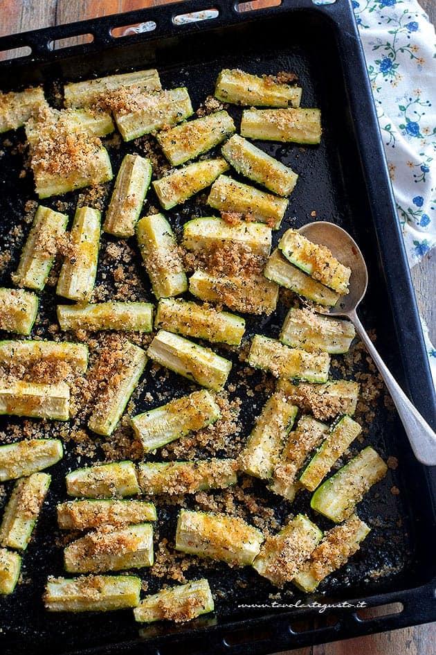 Ricetta Zucchine Bollite.Zucchine Al Forno Gratinate E Croccanti Ricetta Velocissima