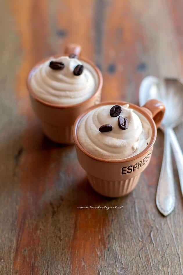 Come fare la Crema al caffè fredda e spumosa come al bar