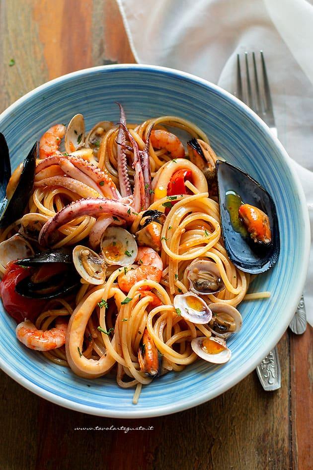 Spaghetti allo scoglio - Ricetta Spaghetti allo scoglio
