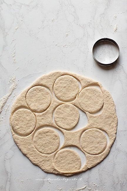 come fare le pizzette in padella