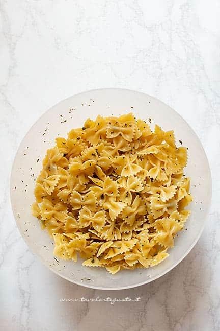 come preparare la pasta fredda - Ricetta insalata di pasta fredda