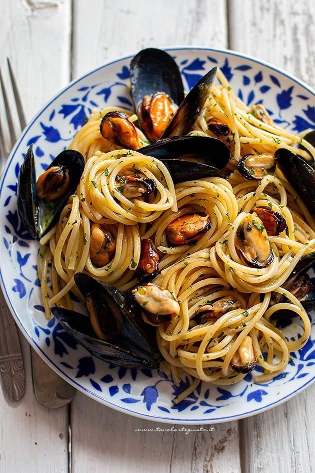 Spaghetti con le cozze - Ricetta Spaghetti con le cozze