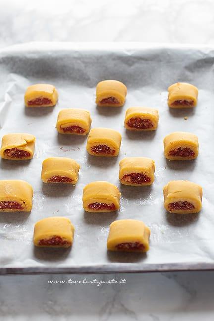 biscotti ai fichi pronti da infornare