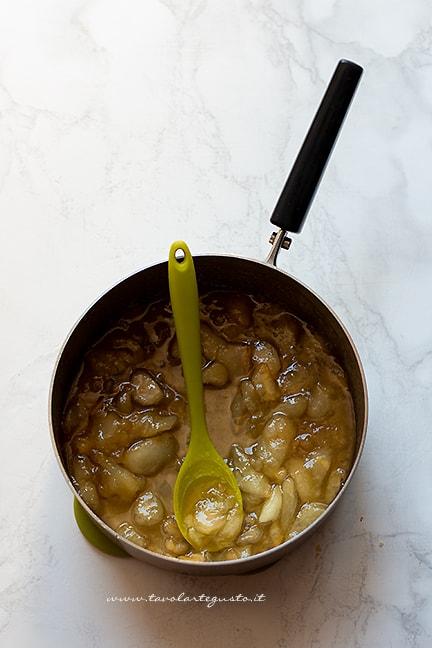 cuocere le pere con zucchero e limone - Ricetta Marmellata di pere