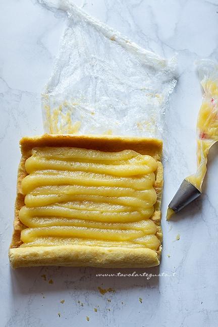 farcire il rotolo con la crema - Ricetta rotolo al limone