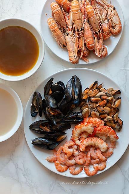 frutti di mare , fumetti di crostacei, gamberi - Ricetta Paella