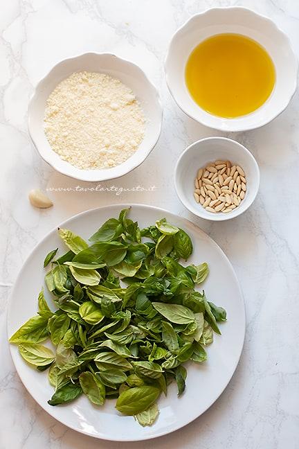 ingredienti pesto - Ricetta Pesto alla genovese