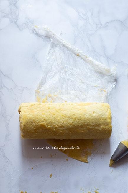 sigillare in pellicola - Ricetta Rotolo al limone