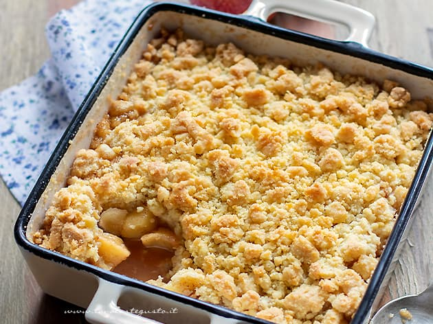 Crumble di mele (apple crumble) - Ricetta Crumble di mele-