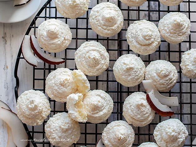 biscotti al cocco - Ricetta biscotti al cocco-