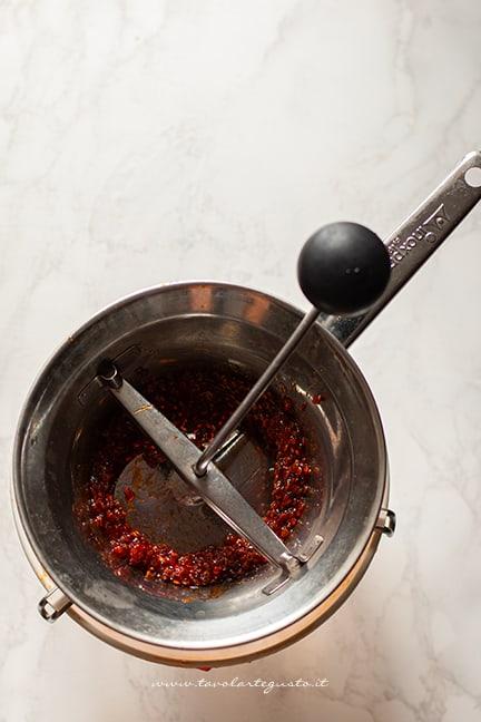 passare al setaccio - Ricetta Marmellata di fichi d india