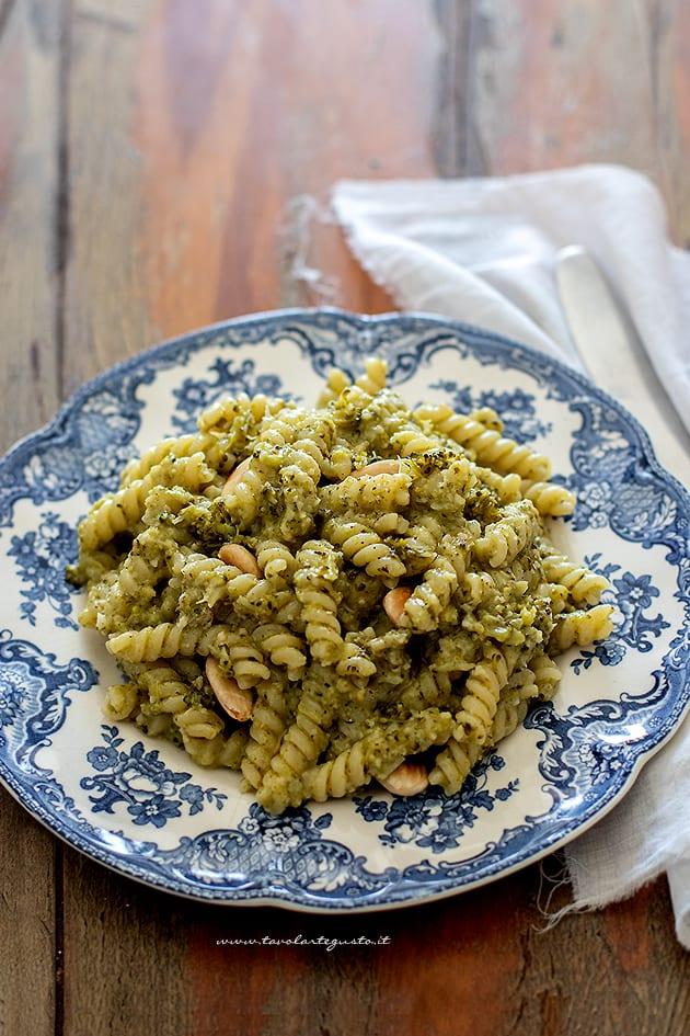 Pasta con broccoli - Ricetta Pasta con i broccoli