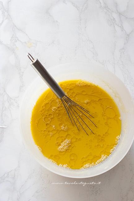 aggiungere olio e sale - Ricetta Farinata di ceci