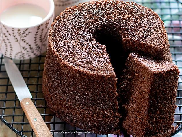 chiffon cake al cioccolato - Ricetta chiffon cake al cacao-