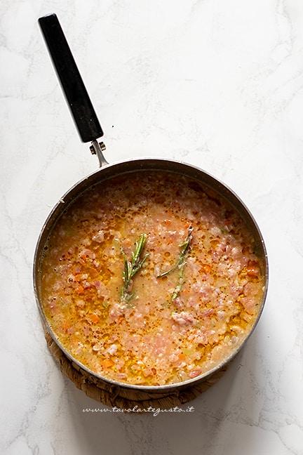 cuocere a fuoco lento - Ricetta ragu bianco