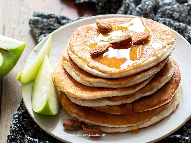 pancake proteici - ricetta proteici per una colazione proteica-