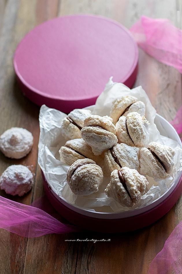 Biscotti cocco e nutella - Ricetta Biscotti cocco e nutella-