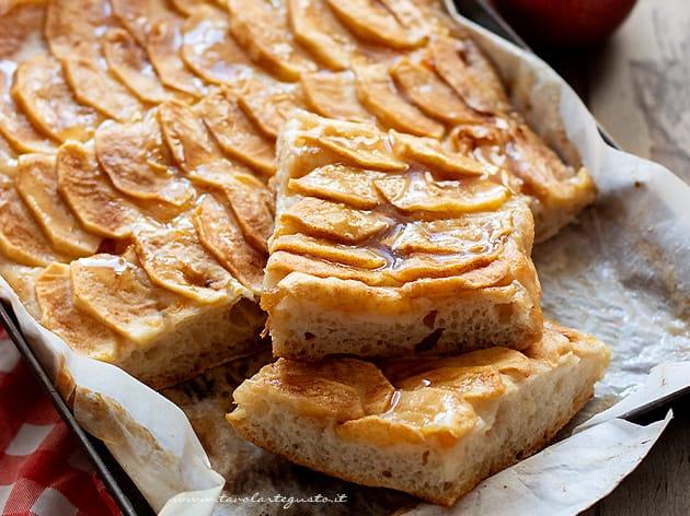 Focaccia di mele - Ricetta Focaccia dolce alle mele