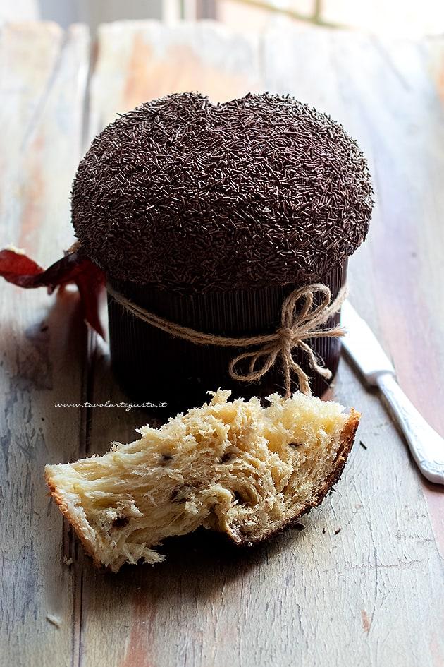 Panettone al cioccolato - Ricetta Panettone al cioccolato-