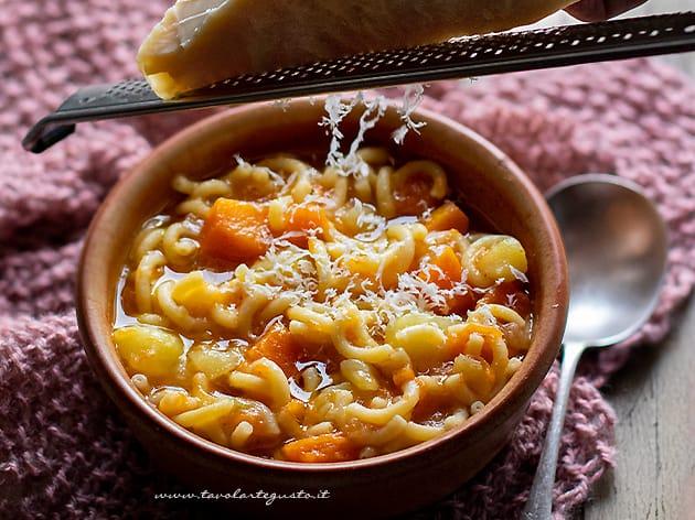 Pasta patate e zucca - Ricetta pasta patate e zucca