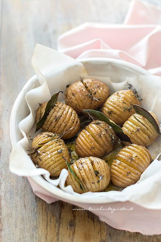 Patate Hasselback - Ricetta Patate Hasselback-