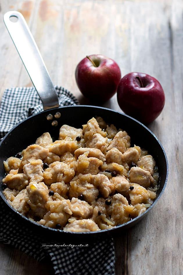 Pollo alle mele - Ricetta Pollo alle mele-