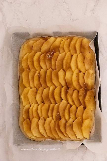 come fare la focaccia di mele