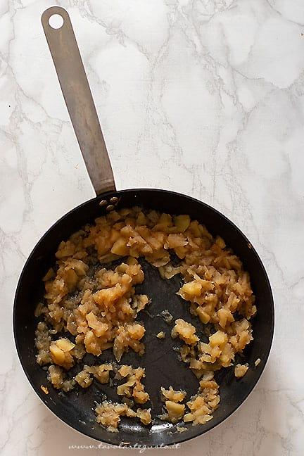 stufare le mele in padella - Ricetta Pollo alle mele