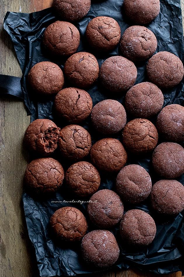 Biscotti al cioccolato (morbidi, semplici, veloci) Ricetta biscotti al cioccolato-