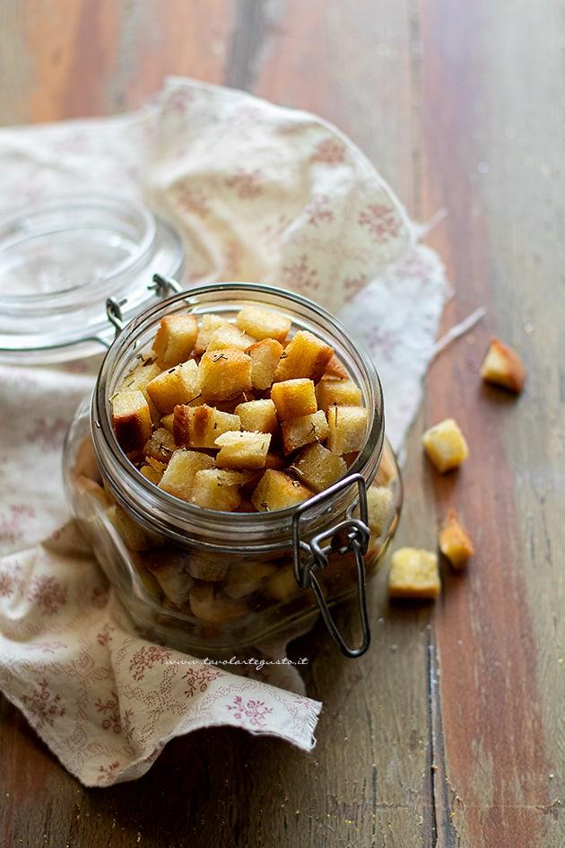 Crostini di pane - Ricetta Crostini.