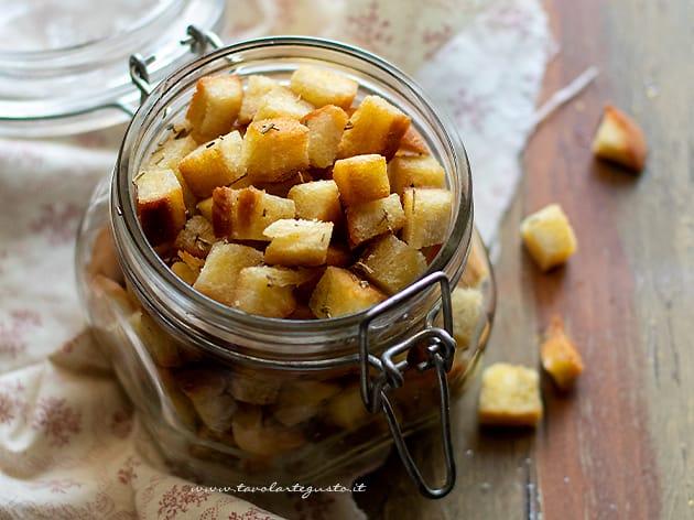 Crostini di pane - Ricetta Crostini